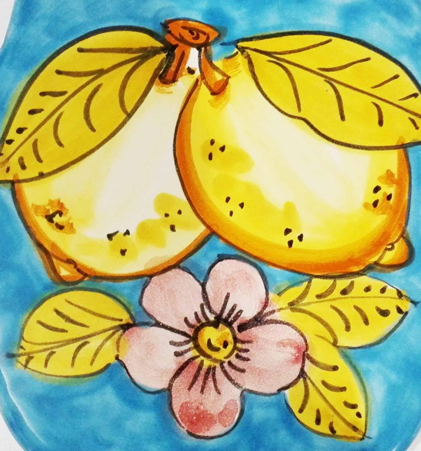 Primavera ( limoni giallo e fiorellini rosa e celeste su un fondo colorato )